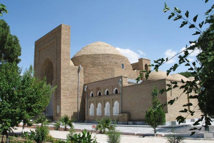 Архитектурный комплекс Хаким Ат-Термези