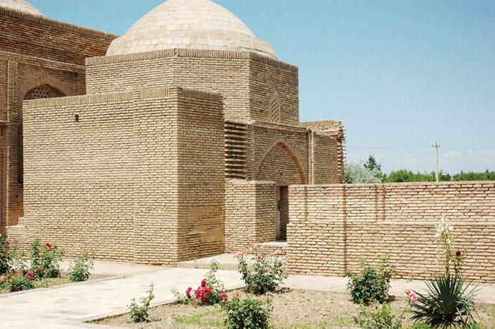 Фамильная усыпальница – комплекс Султан Саодат