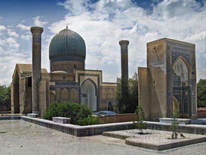 Мечеть Биби-Ханум