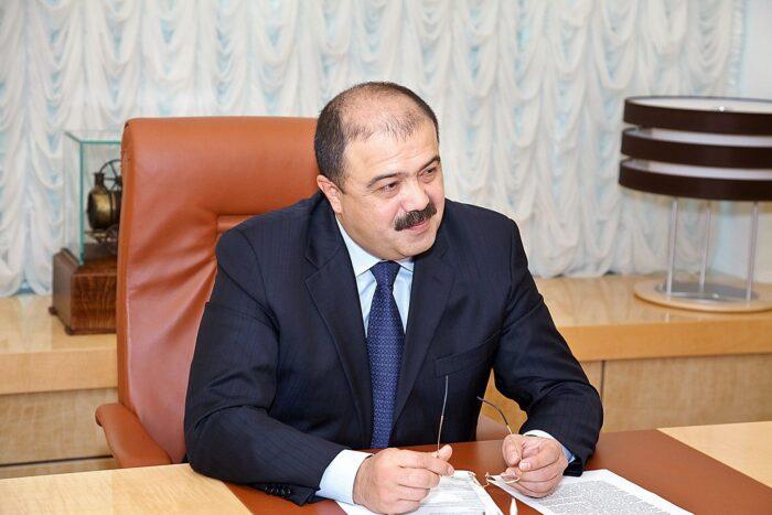 Искандар Махмудов