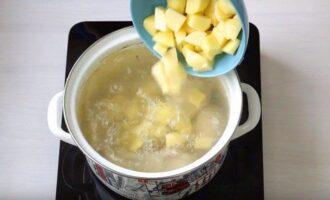 Картофель в бульоне