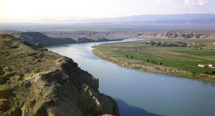 Узбекистан река Сырдарья