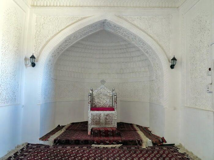 трон Худайдад-хана