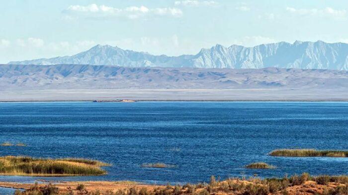 Озеро Айдаркуль Узбекистан